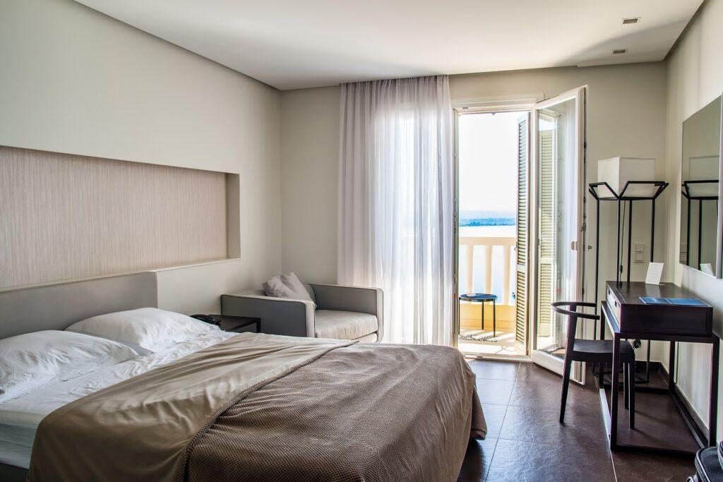 """La Regione Lazio ingaggia alberghi e B&B per rilanciare il turismo con """"Più notti, più sogni"""" 1"""