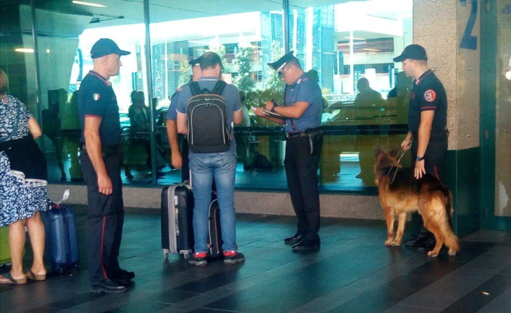Fiumicino: denunciati e multati in aeroporto autisti abusivi e ladri del duty free 1