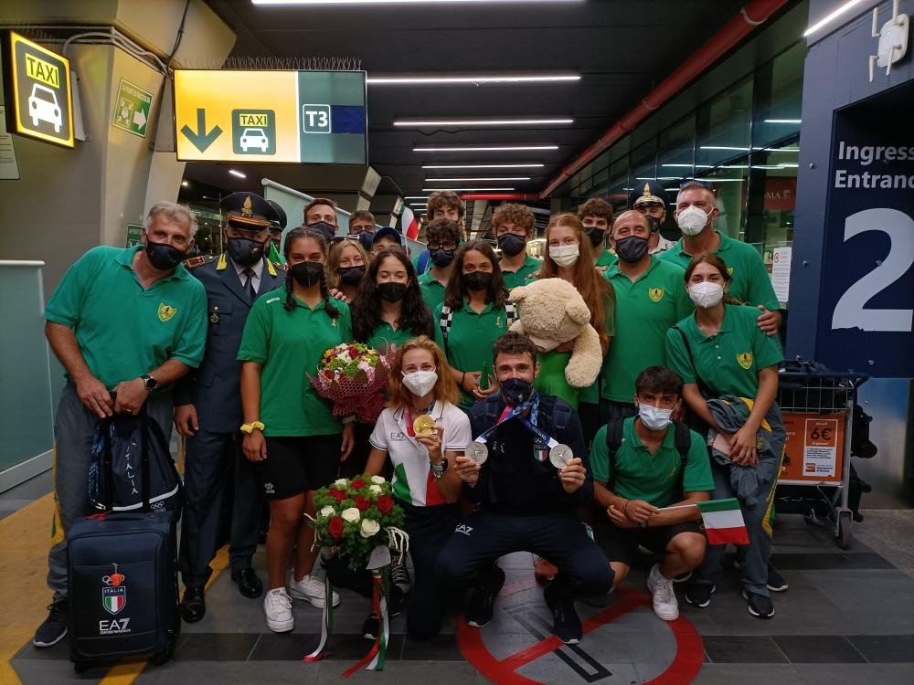 Festa dei colleghi delle Fiamme Gialle di Sabaudia per gli olimpionici Rodini e Lodo 1