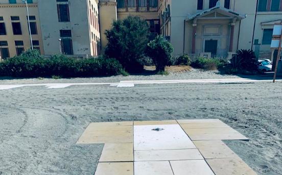 """Spiaggia libera """"Gialla"""" tra disservizi e vandalismi 2"""