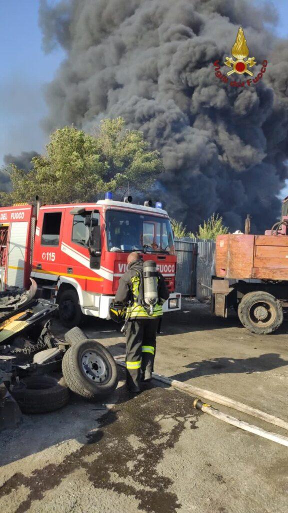 Vigili del fuoco, 50 incendi tra litorale e Fontana Candida 1