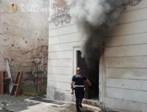 Roma, incendio al museo della via Ostiense: salvate quattro persone 3