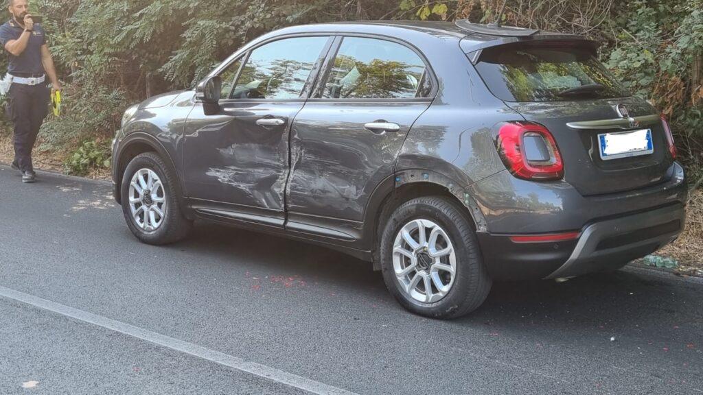 Percorre l'Ostiense ad alta velocità e si schianta contro l'auto di una famiglia in vacanza 1