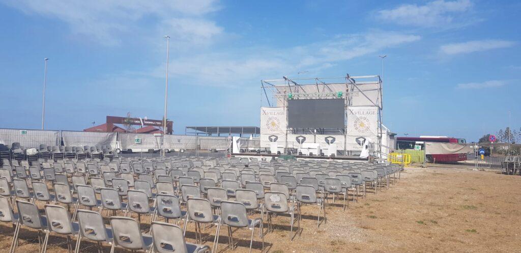 L'estate continua all'X Village di Ostia: fino al 30 settembre cinema, musica e tanto divertimento 1