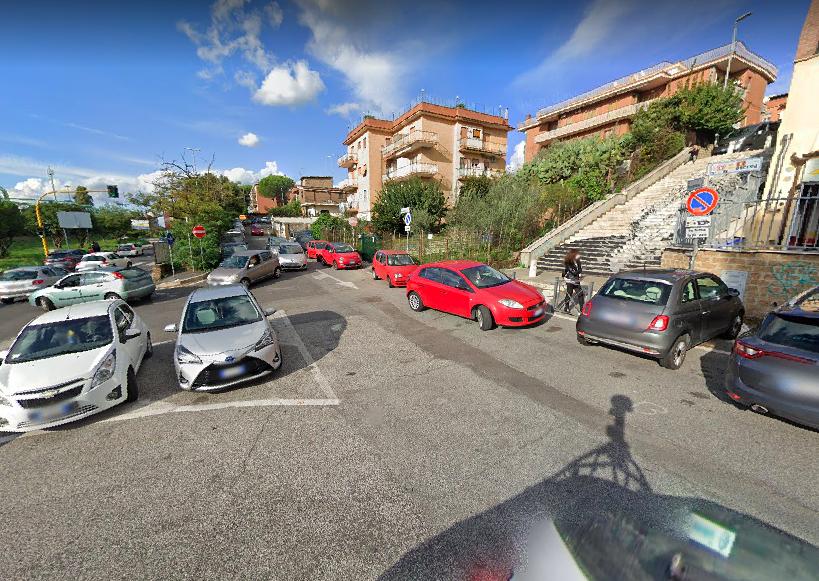 Roma: incendio in un'autofficina. E' morto il titolare a seguito delle gravi ustioni 2