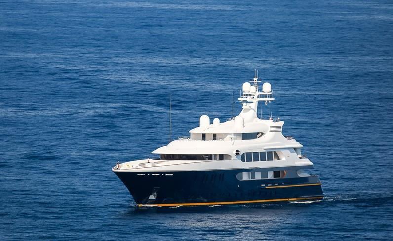 Maxiyacht, a Ostia sbarcano i gemelli del lusso. Bill Gates a bordo? 2
