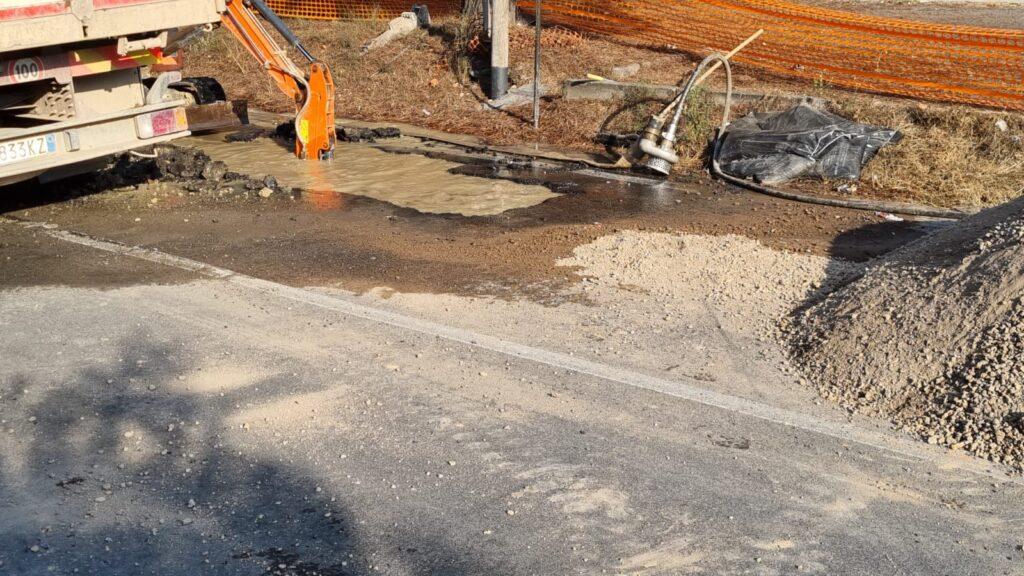 Chiusa l'Ostiense per l'esplosione di una conduttura: resterà chiusa fino al 23 agosto 1