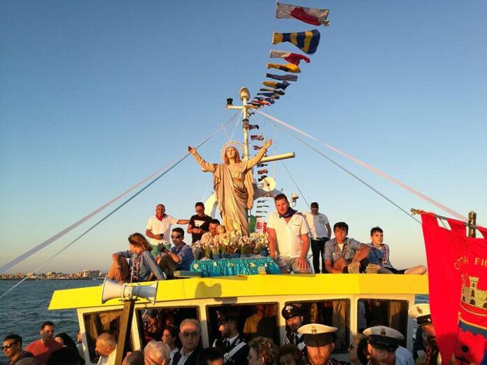 processione a mare dell'assunta