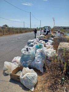 Tempo di pulizie: volontari in azione sul litorale romano. Raccolte decine di sacchi di rifiuti 1