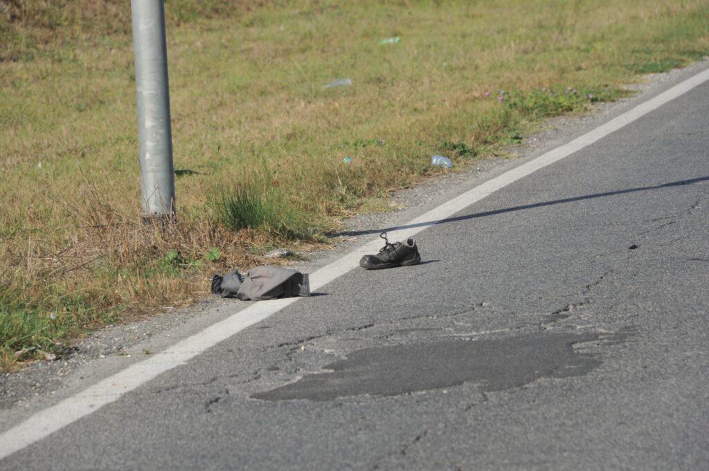 Ostia, incidente: chiusa via Tancredi Chiaraluce, due feriti gravi 2