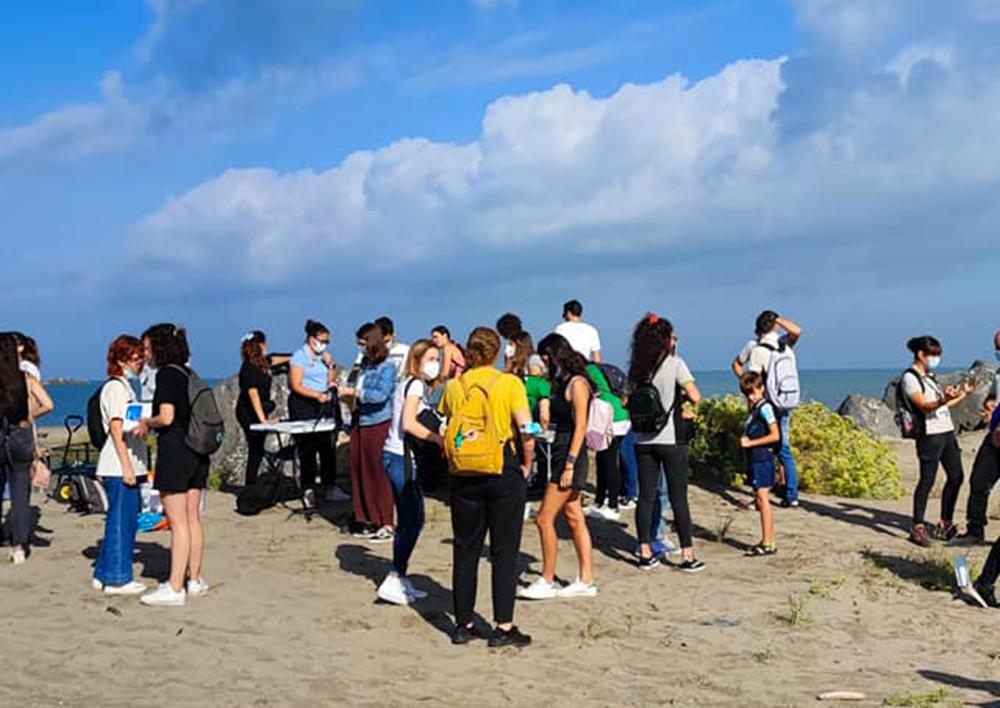 World Cleanup Day: task force di volontari in azione in Via del Faro a Fiumicino 1