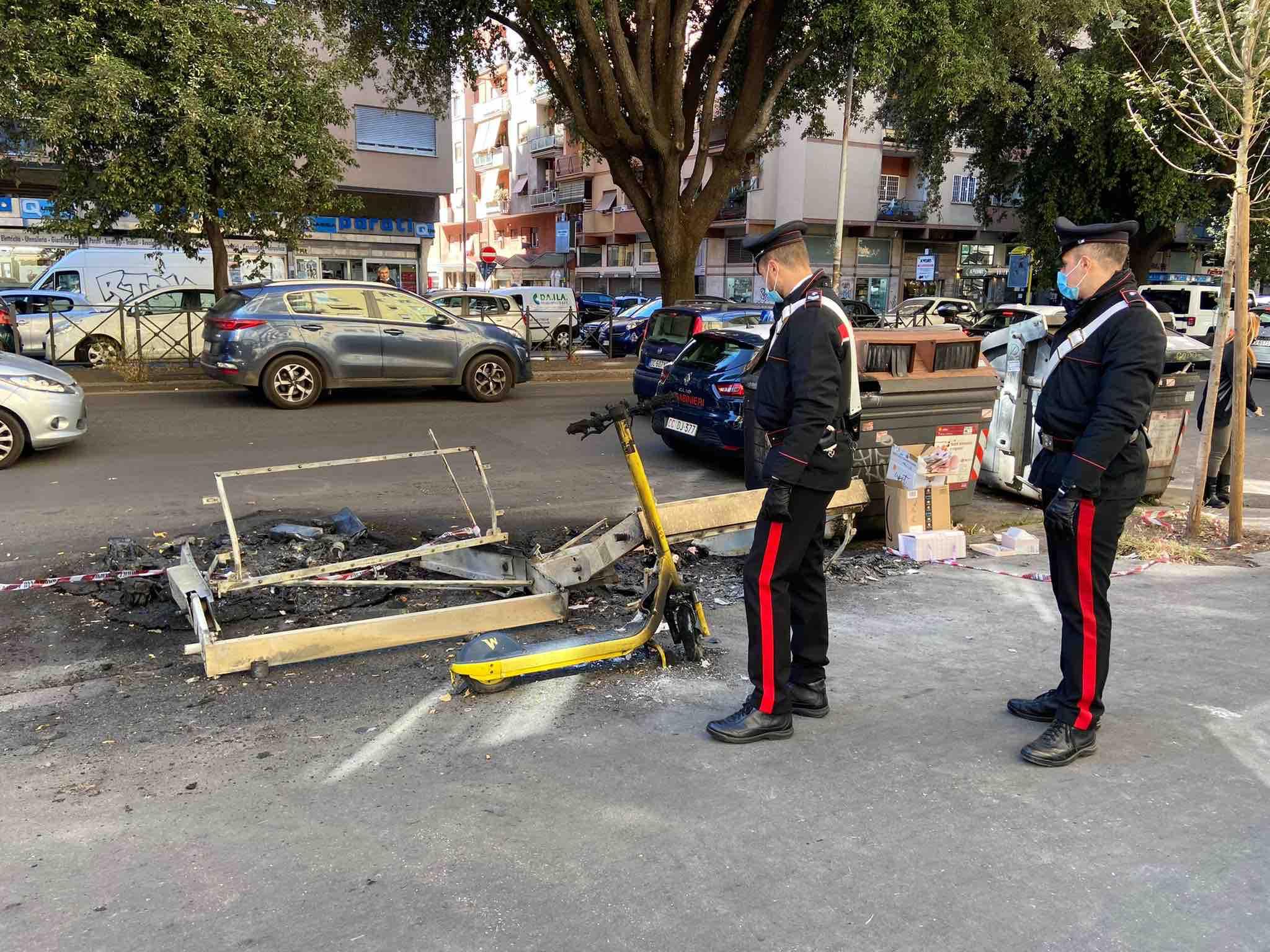 Marconi: incendia cassonetti dei rifiuti. Carabinieri arrestano piromane 1